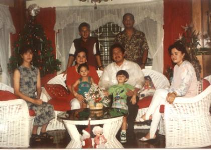 photo_family.jpg